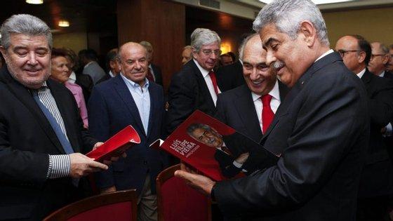 Benfica quer ver resolvida decisão sobre o 'caso dos vouchers' por acusações proferidas há mais de um ano pelo presidente do Sporting