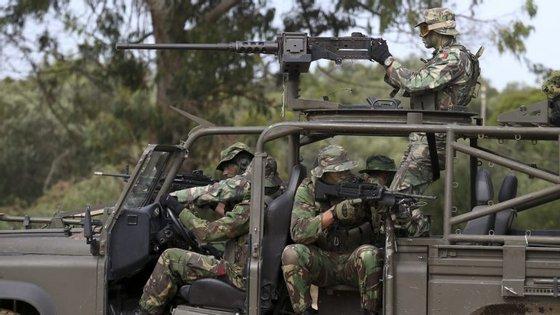 Militares aguardam partida para missão da ONU que  irá acontecer na República Centro Africana