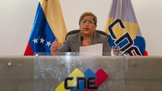 """""""As eleições regionais ficam estabelecidas para finais do primeiro semestre de 2017"""", disse a presidente do CNE"""