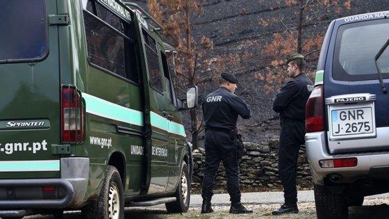 A GNR mantém um dispositivo no terreno para tentar deter o suspeito dos crimes de Aguiar da Beira, centrando atenções na zona de Vila Real