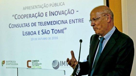 """Augusto Santos Silva afirma que cooperação portuguesa terá um """"reforço considerável"""" nos próximos anos"""