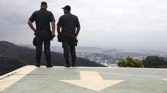 Polícia Federal Brasileira opera contra um grupo especializado em fraudes fiscais