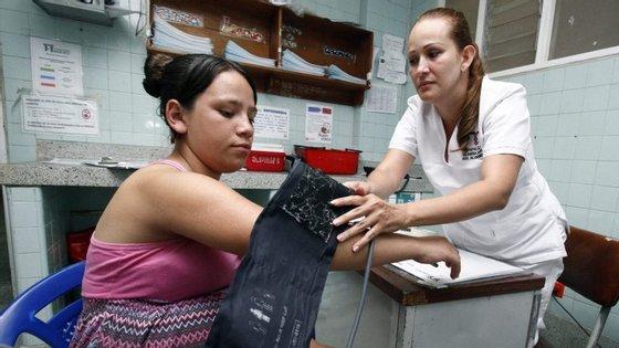 Cerca de 100 médicos pediram para emigrar no primeiro semestre deste ano