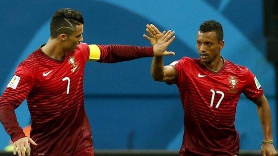 """Nani diz que Messi """"é um jogador especial"""", mas Ronaldo também"""