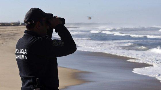 Marinha alerta pescadores para que tenham cuidados redobrados devido ao estado do tempo, no Algarve