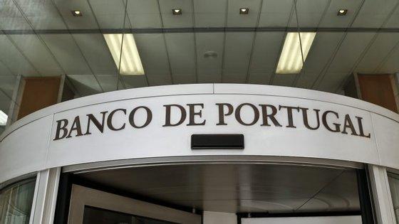 """Os portugueses mantêm um """"nível elevado"""" de confiança na banca, apesar dos problemas do setor"""