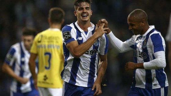 """André Silva abriu a contagem, alargou-a depois, e Brahimi """"fechou a loja"""" aos 3-0"""