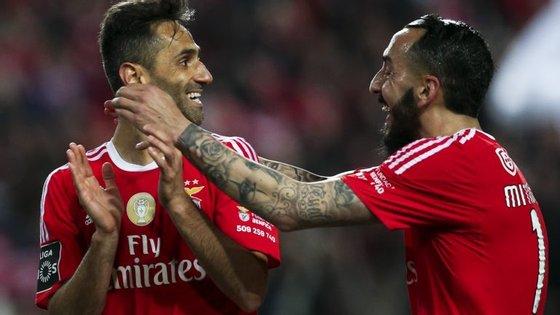 Jonas e Mitroglou, a dupla mais presente desta caminhada histórica do Benfica