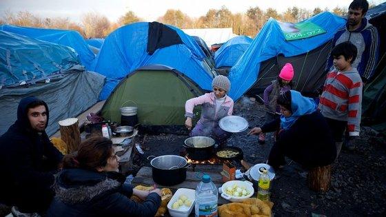 Os refugiados vão passar a ficar num grupo unido, o que vai contribuir para a sua proteção e coesão