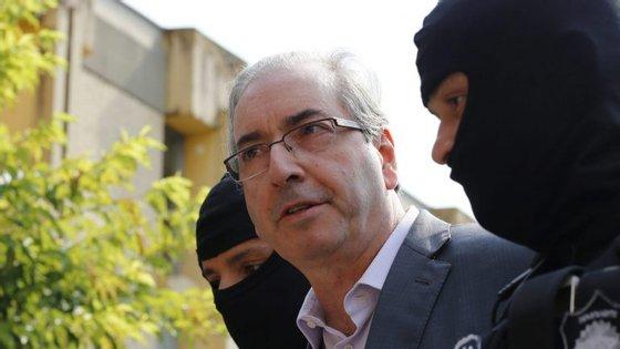 Foi presidente da Câmara dos Deputados mas perdeu o mandato quando foi considerado culpado da acusação de ter mentido numa comissão que investigava crimes cometidos na Petrobras