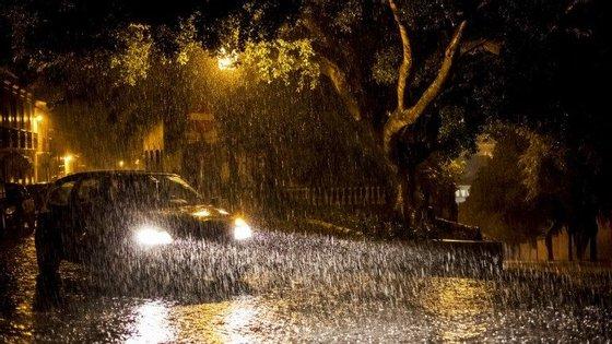 Foram várias as ocorrências e os danos que o mau tempo provocou nos distritos de Beja e Évora e na cidade algarvia de Faro