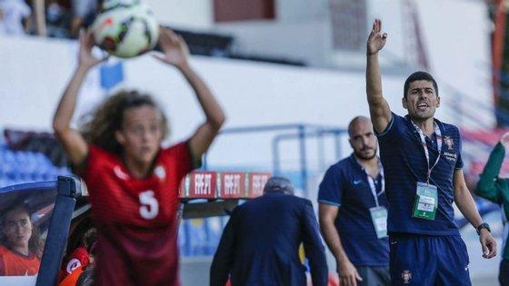 Portugal lança-se para a vitória, com as instruções do selecionador Francisco Neto