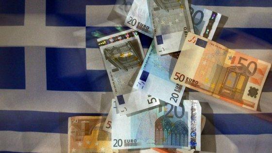 Mecanismo Europeu de Estabilidade (MEE) diz que o desembolso de dinheiro para ajudar a Grécia é um sinal de que estão a ser feitos progressos nas reformas do país