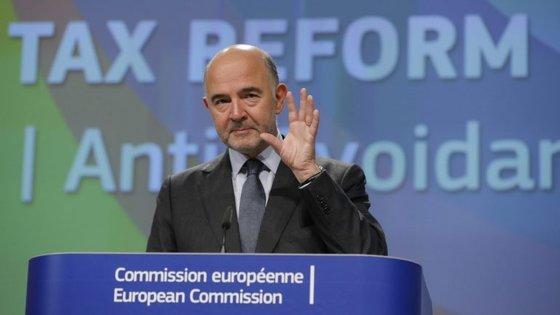 O comissário dos Assuntos Económicos falou numa conferência de imprensa em Bruxelas