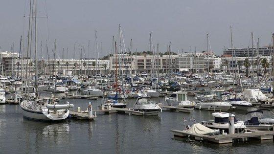 """mbora a maior parte das marinas sejam da Docapesca, o Governo pretende """"pôr algumas a concurso e concessionar a privados"""""""