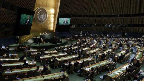 A abstenção de Washington segue os apelos de Barack Obama para o levantamento do embargo contra Cuba, na sequência da normalização de relações entre os dois países