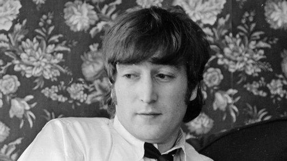 67 mil euros foi o valor pelo qual foi avaliada a carta redigida por John Lennon e enviada a Isabel II