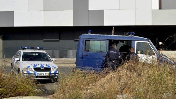 Foram detidas 56 pessoas, 18 das quais por condução sob efeito de álcool