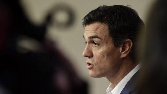 """Pedro Sánchez pretende percorrer o território espanhol para """"ouvir quem não foi ouvido"""""""