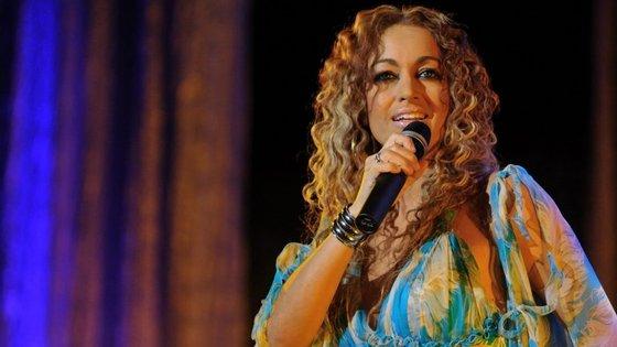 Rita Guerra começou a cantar aos 16 anos e gravou o primeiro disco aos 23, foi cantora residente no Casino Estoril, durante mais de 20 anos, representou Portugal no Festival da Eurovisão, em 2003