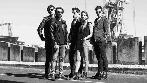 """O vídeo de """"In Your Eyes"""" foi filmado nas Piscinas das Marés em Matosinhos. A realização é de Alexandre Azinheira"""