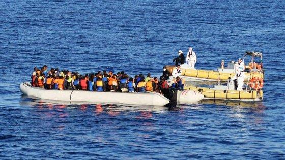 Os italianos já tinham coordenado o resgate de 766 migrantes