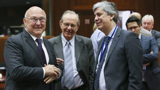 Mário Centeno no Ecofin com os homólogos francês  (Michel Sapin) e italiano  (Pier Carlo Padoan).