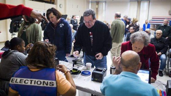 O Estado que terá mais distritos eleitorais com vigilância é o de Connecticut, com sete, seguido da Carolina do Norte e Florida, com cinco, e do Alasca, com quatro