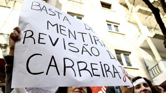 A greve foi anunciada no início do mês, quando o sindicato avisou que só a suspenderia com a conclusão do processo negocial com o Governo.