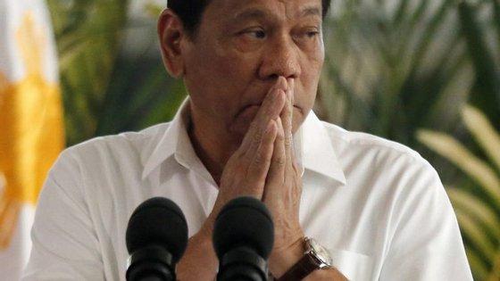 A relação entre EUA e as Filipinas não é fácil e Rodrigo Duterte faz desvio na sua rota para não passar por território norte-americano