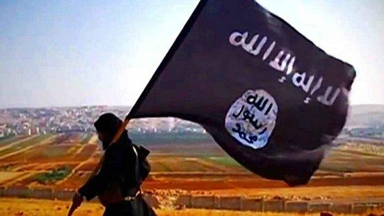 O grupo foi acusado de uma série de ataques mortais que tiveram como alvo uma igreja cristã, uma mesquita de muçulmanos Ahmadi e manifestações de ativistas seculares e de comunistas