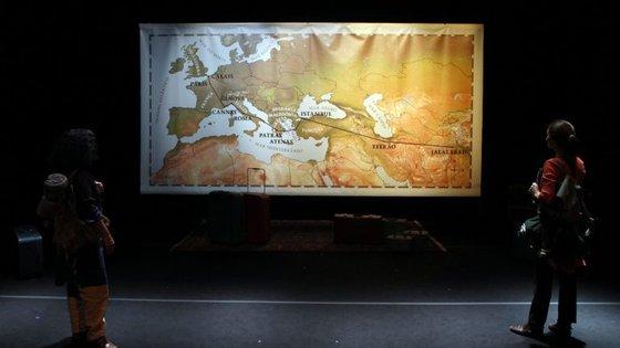 """""""Do bosque para o mundo"""" fica em cena na Sala Mário Viegas do Teatro Municipal São Luiz"""
