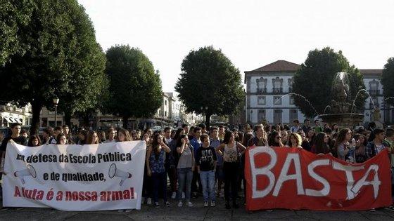 A Escola Secundária Inês de Castro, em Vila Nova de Gaia, esteve sem aulas até às 11h desta terca-feira