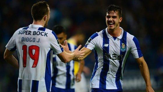 André Silva e Diogo Jota, os únicos goleadores do Porto nos últimos quatro jogos