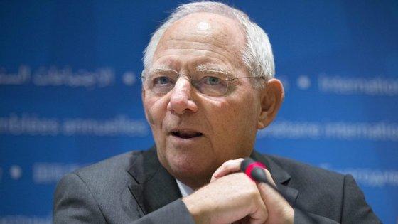 """""""Creio que as recomendações da CE vão de certa forma para o destinatário errado"""", assegurou Schäuble"""