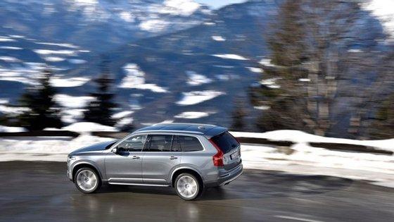 Em breve, os Volvo da Série 90 vão poder comunicar entre si, informando os outros veículos dos perigos que encontram