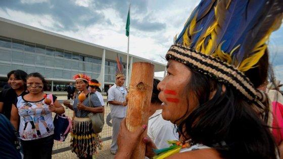 Esta semana, indígenas de diversas tribos manifestaram-se em Brasília para protestar contra algumas medidas estudadas pelo Governo do Presidente, Michel Temer