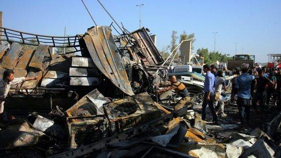 O alvo do ataque parece ter sido um autocarro que transportava peregrinos iranianos de regresso a casa