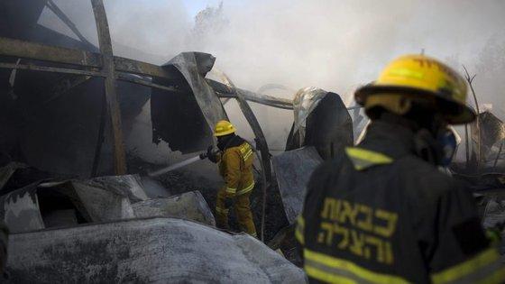 A polícia israelita deu conta de que esta sexta-feira de manhã deflagrou um outro incêndio em Kiryat Gat, a sul de Telavive