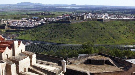 O município decidiu ainda que, durante este fim de semana, a entrada no forte vai ser gratuita para todos os visitantes.
