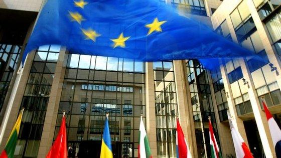 Ancara e Bruxelas celebraram um acordo em março passado que permite barrar o fluxo de refugiados para a UE