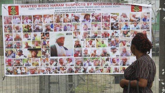 Mais de 21 mil refugiados que escaparam aos ataques do Boko Haram vivem há meses com a ajuda de famílias muito pobres