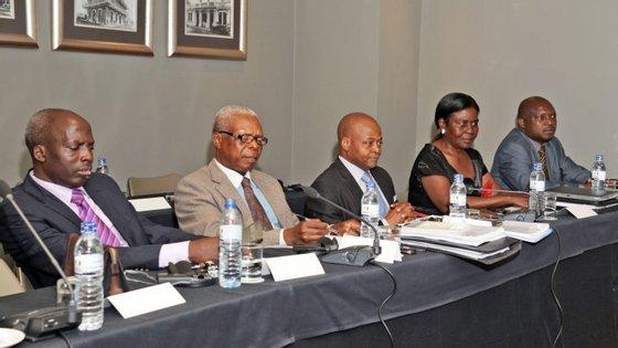 Esta seria a primeira reunião de toda a comissão mista das negociações de paz em Moçambique