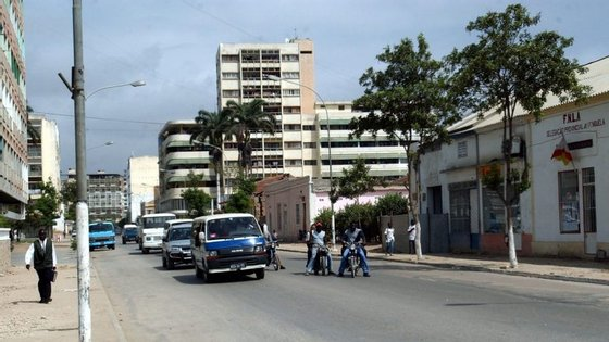 Também para este sábado tinha sido convocada uma manifestação, em Luanda, proibida pelo governo provincial
