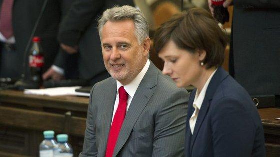Dmitri Firtash enfrenta processo na Áustria por suspeitas de corrupção
