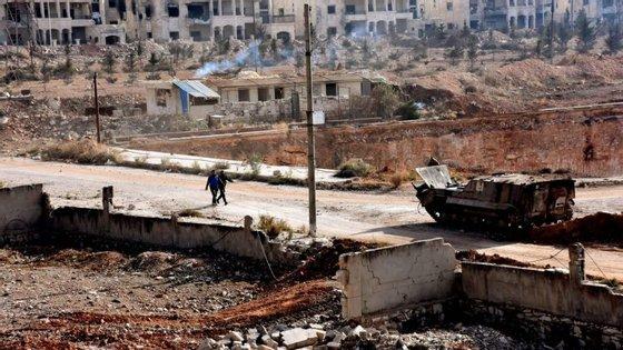Este êxodo segue-se à conquista de Massaken Hanano pelas tropas do regime de Bachar al-Assad