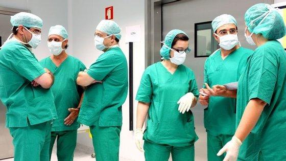 """""""A verdade é que os médicos portugueses não estão bem e isto exige medidas da parte da tutela"""", frisou o bastonário, que pede melhores condições de trabalho"""