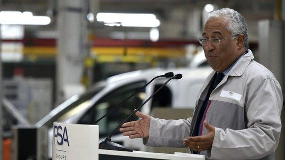 """O governante disse que """"só numa distância de 100/150 quilómetros entre as capitais dos distritos de fronteira e as províncias de fronteira em Espanha"""" há mais seis milhões de habitantes."""