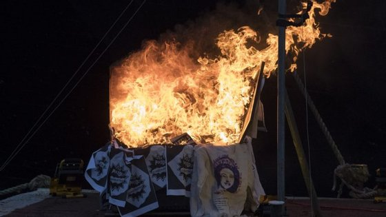 Joe Corre incendiou objetos dos Sex Pistols avaliados entre cinco e dez milhões de libras