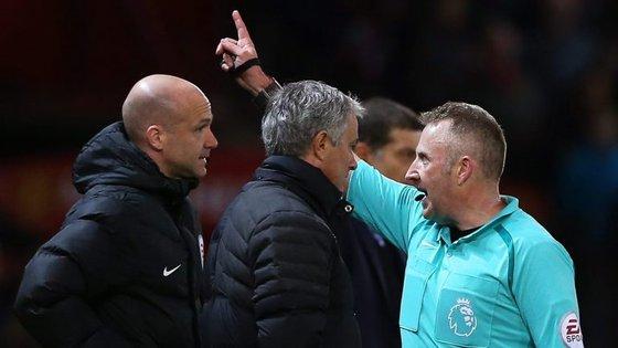 Esta é a terceira vez na presente época que o técnico de 53 anos é acusado pela federação inglesa, pelo que pode enfrentar nova suspensão